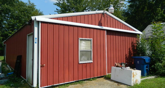 26x40 Pole Barn with 10' overhand on the back