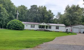 1476 County Road 900N, Fairfield