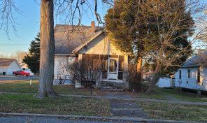 409 W Douglas St, Fairfield