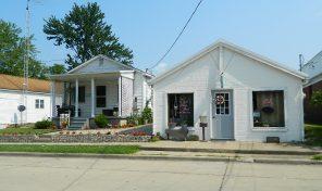 107 & 105 W Elm St, Fairfield